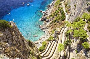 Via Krupp che collega il centro storico di Capri con la meravigliosa baia di Marina Piccola